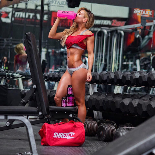 Paige Hathaway - galeria