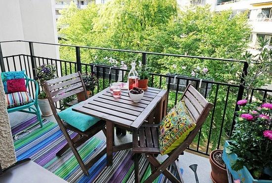 красивое офрмление балкона с помощью цветов