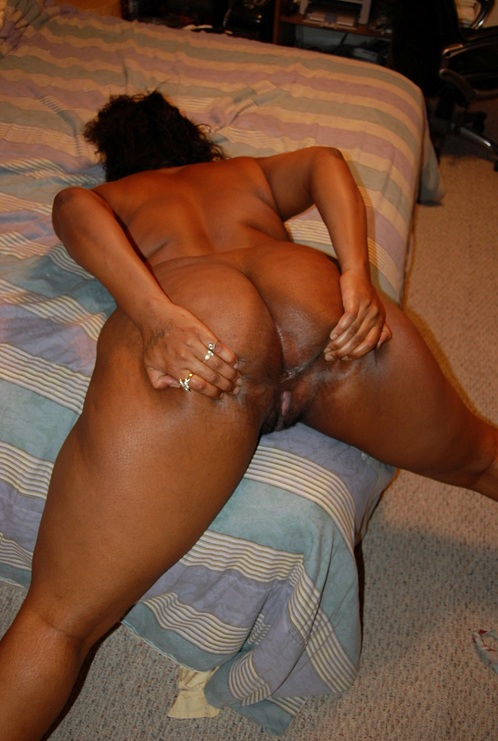 nude Kenyan mom