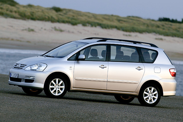 these all the variant of toyota avensis verso car  es around 18