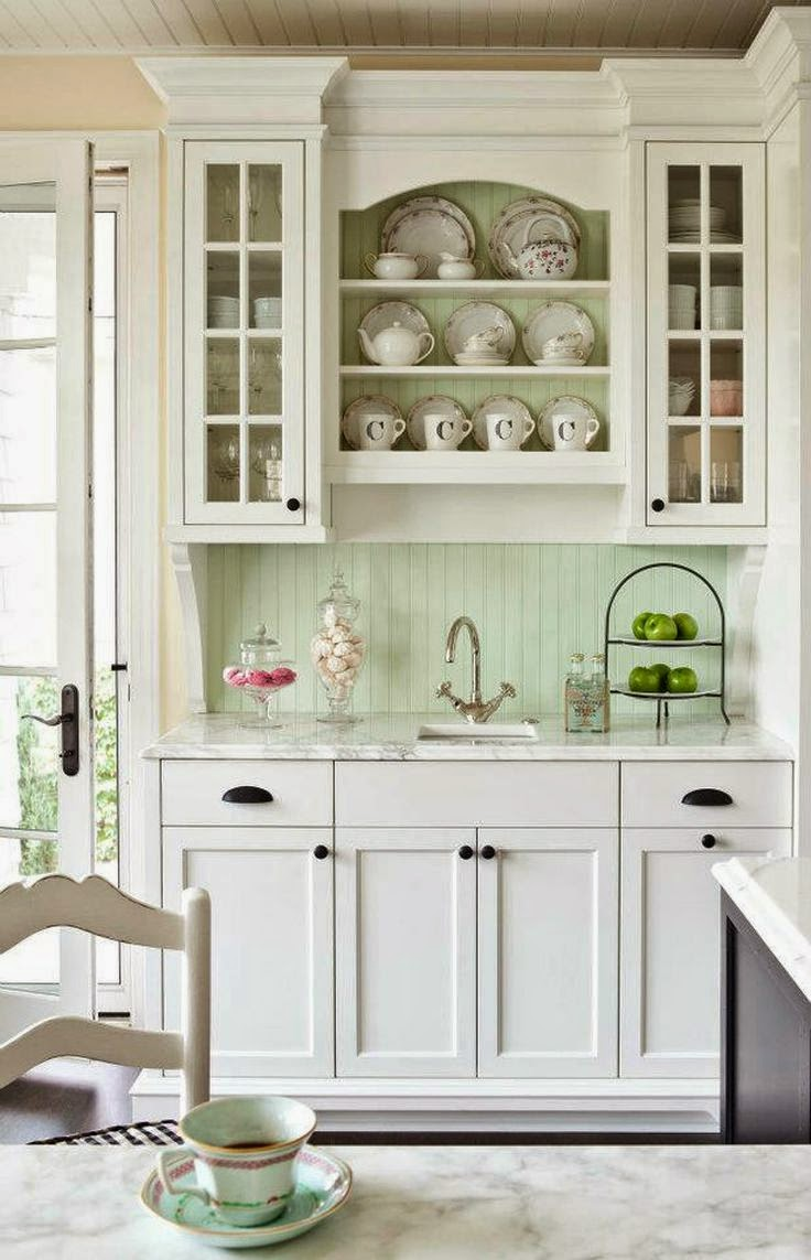 The Little White House On The Seaside: Back(splash) To The Kitchen