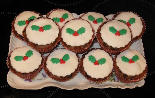 Plastic Christmas Cake Decorations Tesco : Aimetu s: It ll soon be here