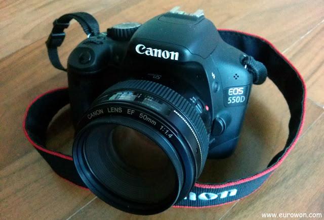 Cámara Canon EOS 550D con objetivo Canon 50mm F/1.4