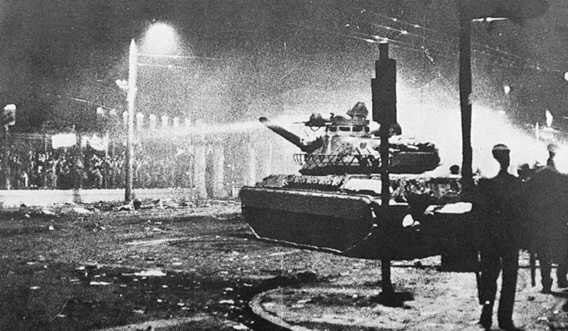 Ανακοίνωση του ΚΚΕ για τα 41 χρόνια από τον ηρωικό ξεσηκωμό στο Πολυτεχνείο το 1973