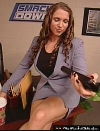 stephanie mcmahon hot legs