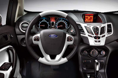 2012 ford fiesta interior.
