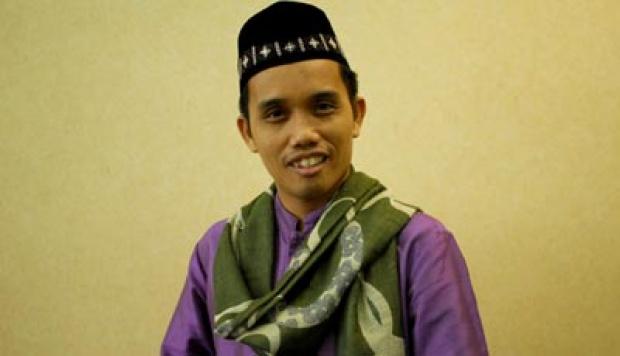 Kajian Islam '' Pemimpin Non Muslim '' Untuk Ustad Maulana dan Penentangnya