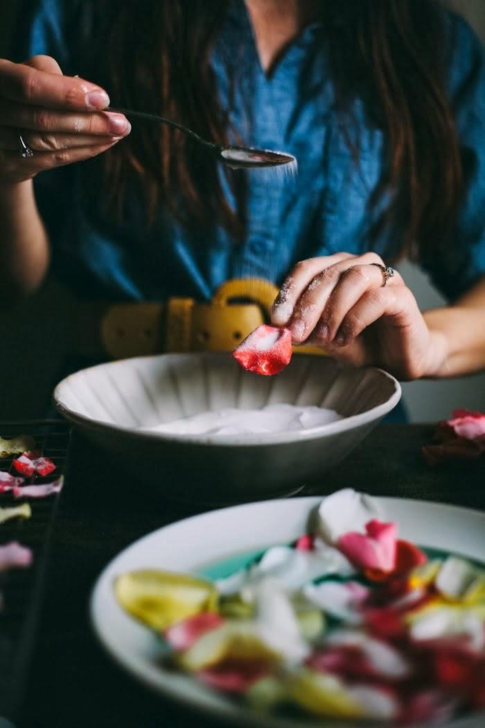 An Edible Flower Workshop & Salted Caramel Rose Cake