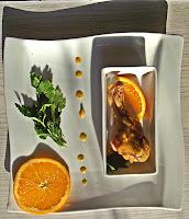 Pomarańczowe pałki z kurczaka pieczone z czosnkiem