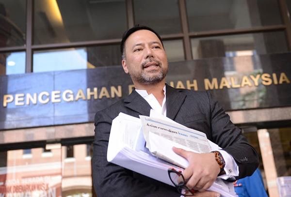 Tindakan Berani Khairuddin Terhadap Najib - PANAS!!