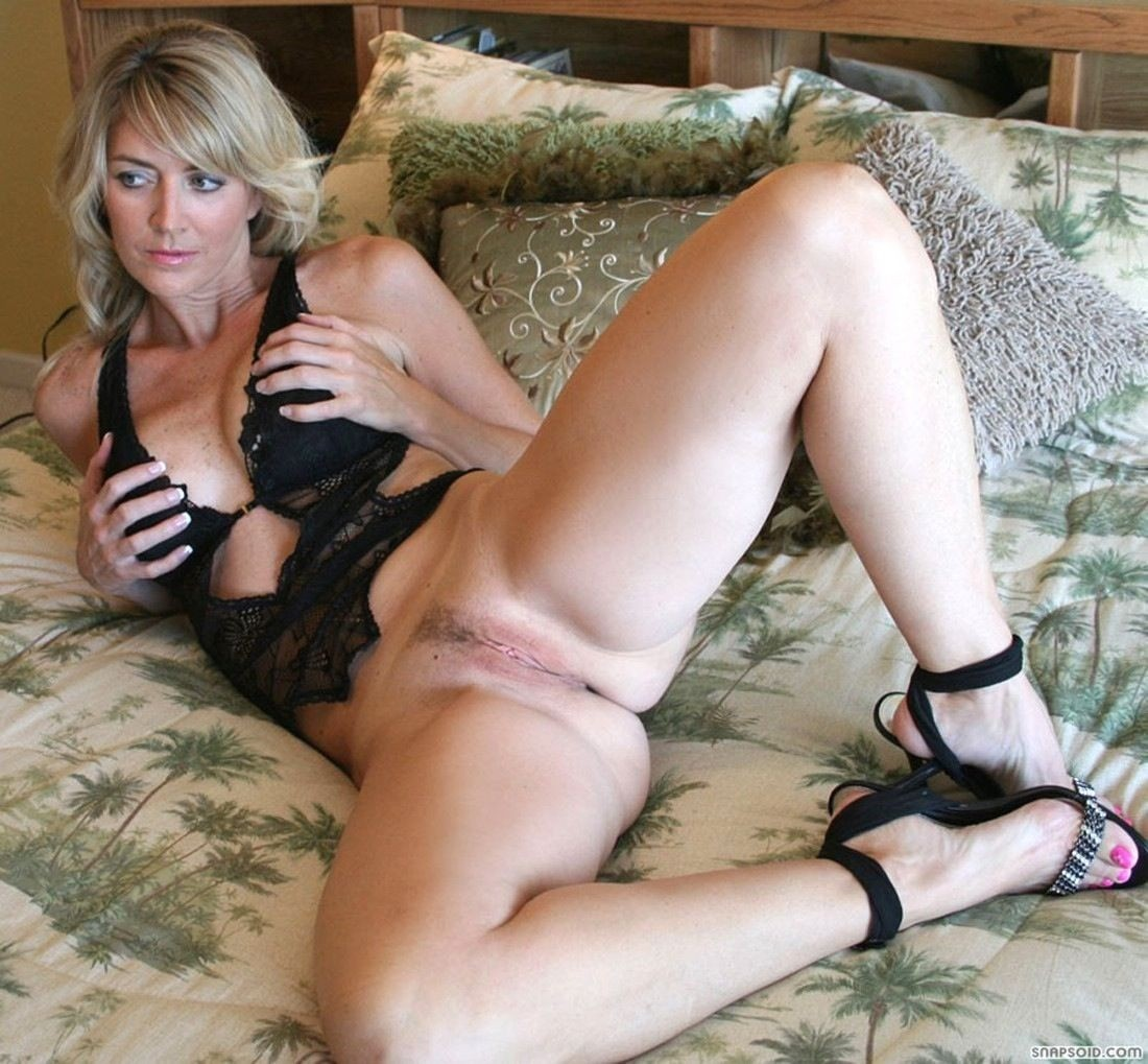 Descalzas y Famosas 5: INCREIBLE EX-WIFE NUDE. EX-MUJER RUBIA DESNUDA: descalzasfamosas5.blogspot.com/2012/09/increible-ex-wife-nude-ex...