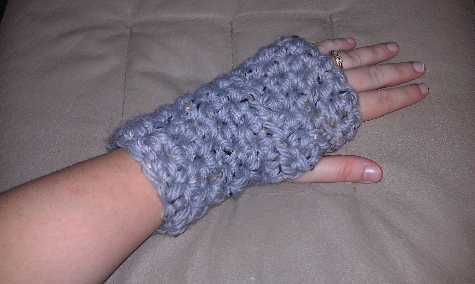 Niccupp Crochet: One Hour Fingerless Gloves