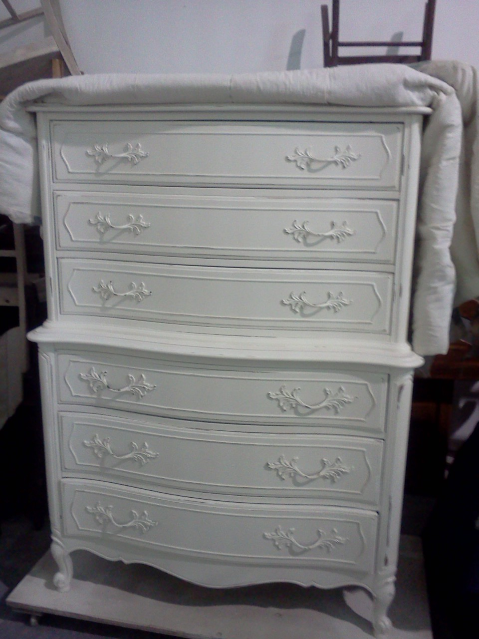 Shabby Chic French Provincial Furniture on Vintage Furniture Stores Richmond Va