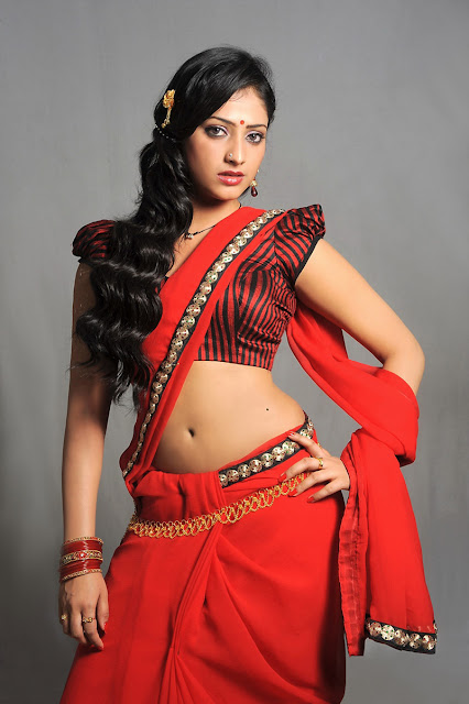 Haripriya Hot Saree Below Navel