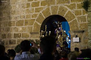 Nazareno entrando en la Iglesia de Santiago Apóstol