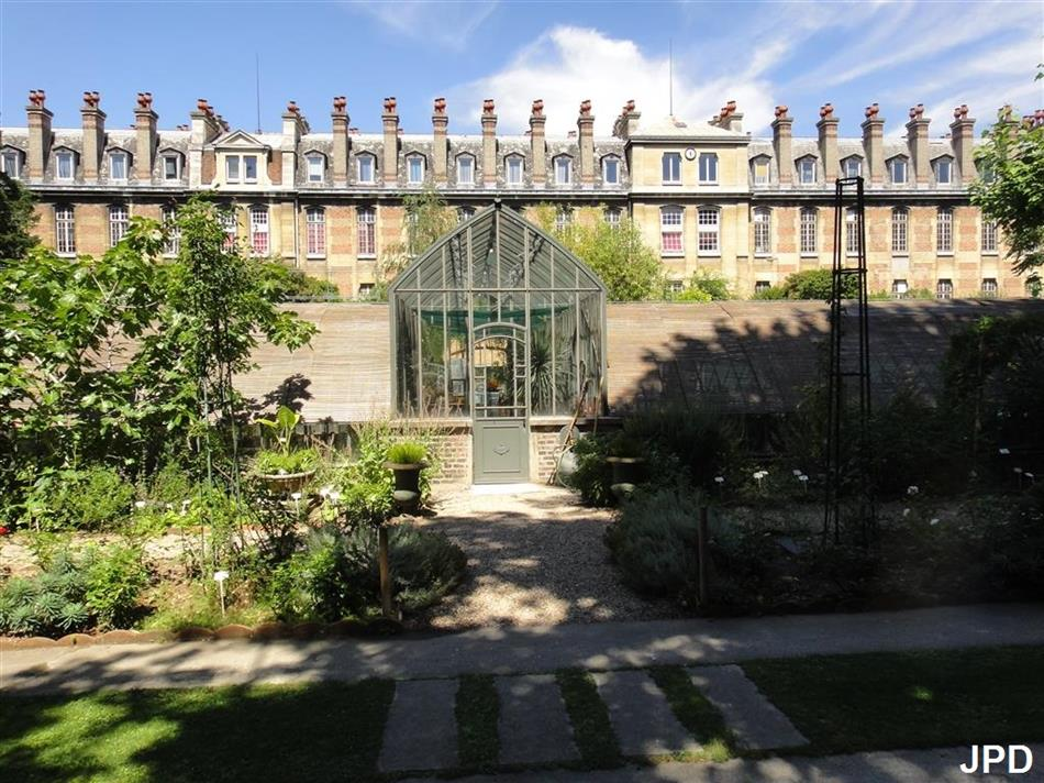 le jardin secret des amoureux na faculdade de biologia de paris. Black Bedroom Furniture Sets. Home Design Ideas