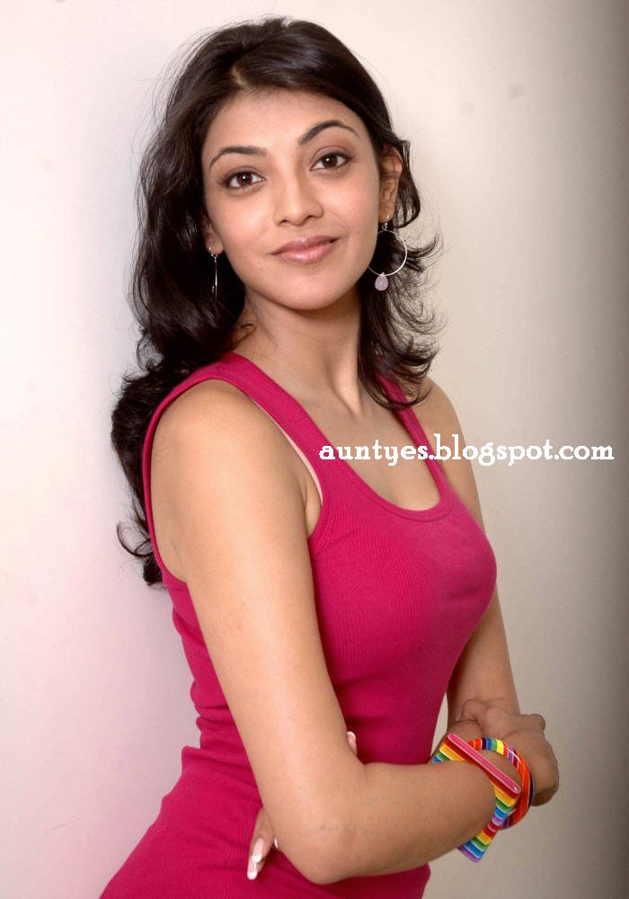 Girls and Aunty Actress Rare Gallery: Kajal Hot Spicy Bra Show in ...