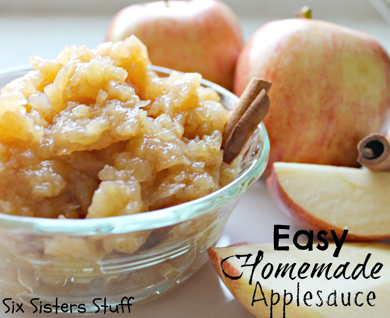 Healthy Meals Monday: Easy Homemade Applesauce | Six Sisters' Stuff