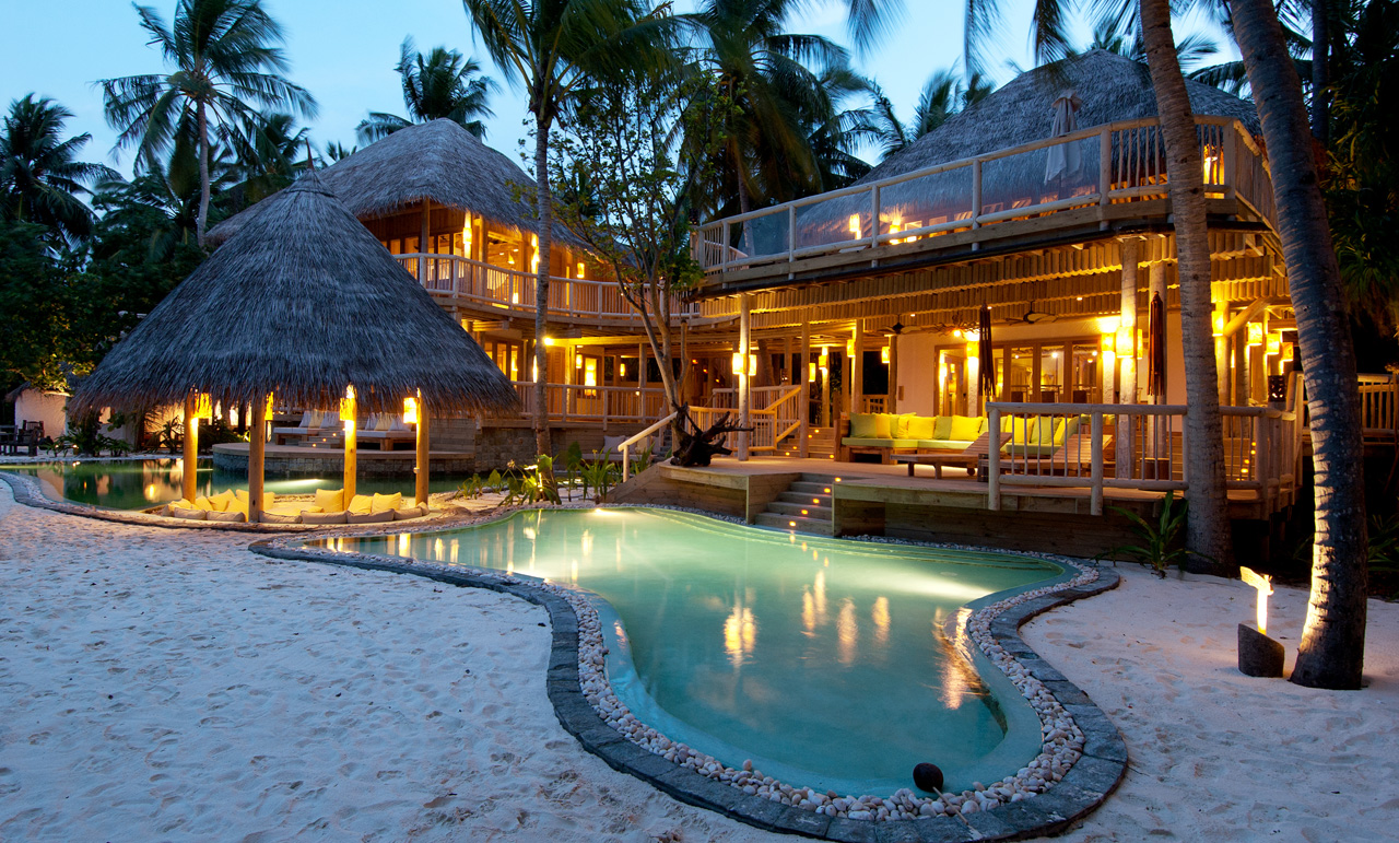 World of architecture resorts luxury soneva fushi resort for Luxury accommodation worldwide