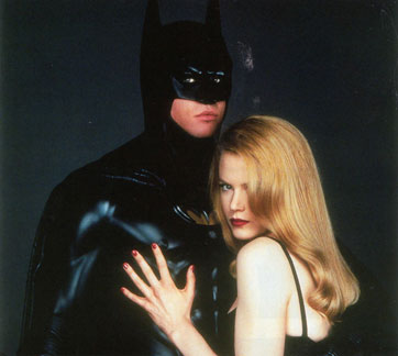 Batman (Val Kilmer) junto a Nicole Kidman