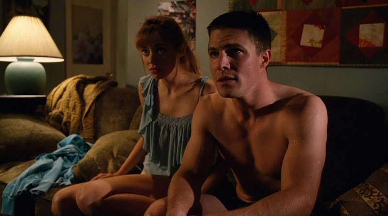 Stephen Amell Shirtless in Hung s3e07