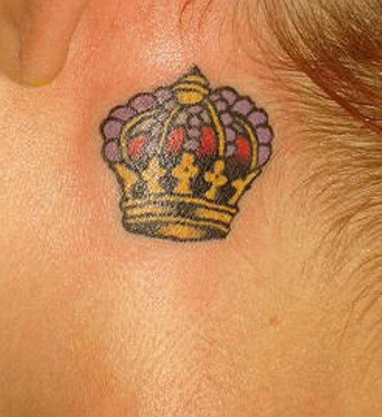 Popular tattoo designs crown tattoos for Pictures of crown tattoos
