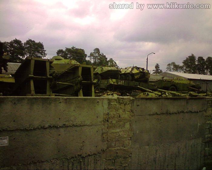 http://3.bp.blogspot.com/-cYBpKKe15fU/TXIq2HCCgqI/AAAAAAAAP4s/HAZgda0-ieM/s1600/panzer_cemetery_in_kiev_06.jpg