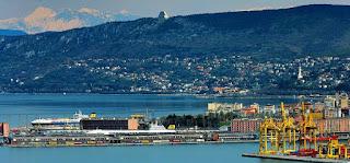 Rimorchiatori, piloti ed ormeggiatori nel porto di Trieste