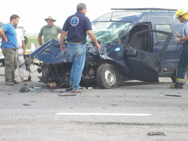 BOMBEROS: ULTIMOS DATOS DEL ACCIDENTE EN RUTA 8