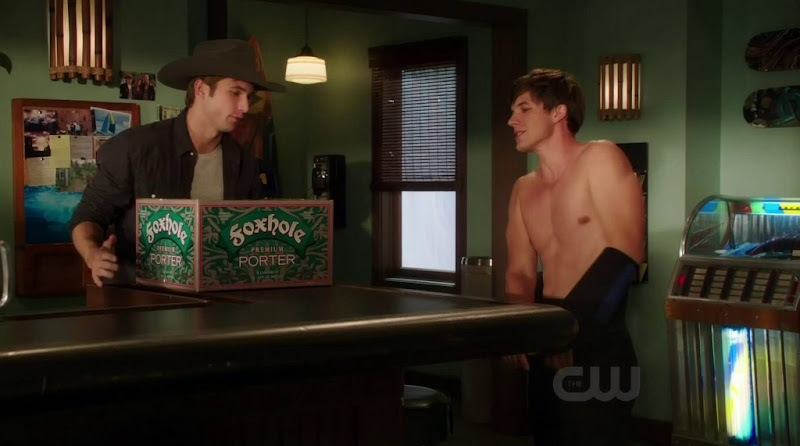 Matt Lanter Shirtless in 90210 s4e07