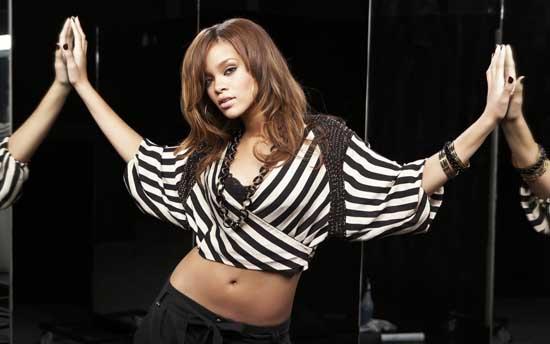Top 25 Sexiest women Singers Alive 2012 Rihanna