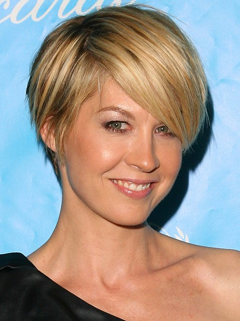 The French Touch Short And Chic In Praise Of The Pixie