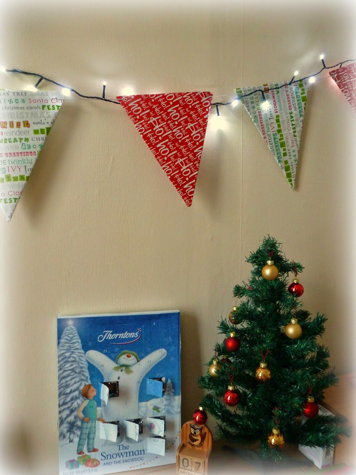 DIY christmas Bunting, thorntons chocolate advent calender christmas tree with baubles and lights
