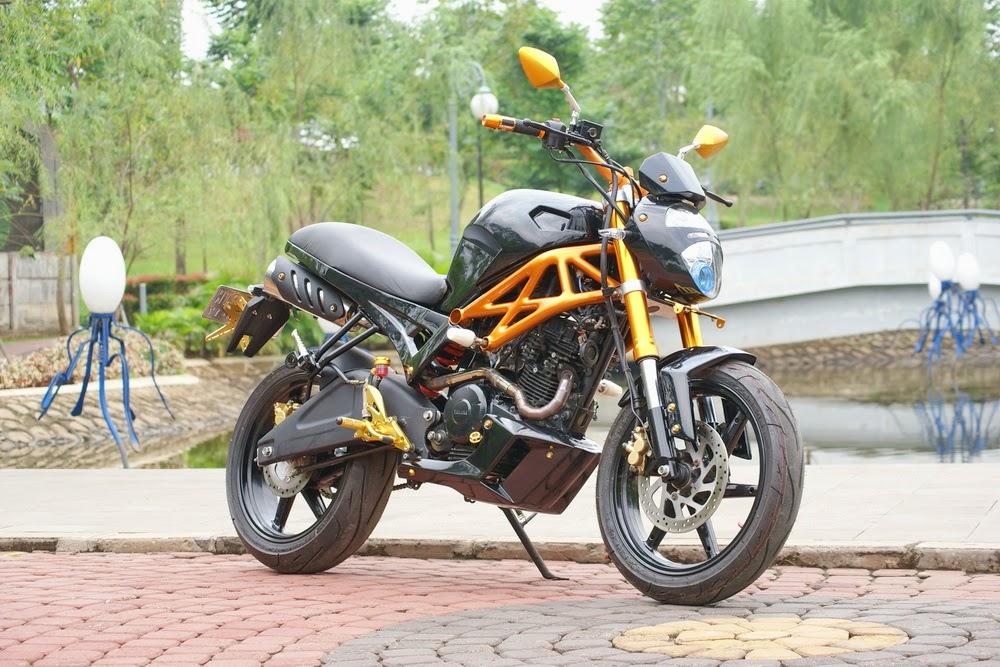 modifikasi byson ala ducati monster