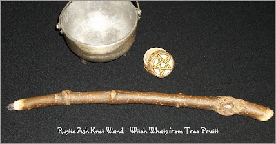 Rustic Knot Ash Wand by Tree Pruitt
