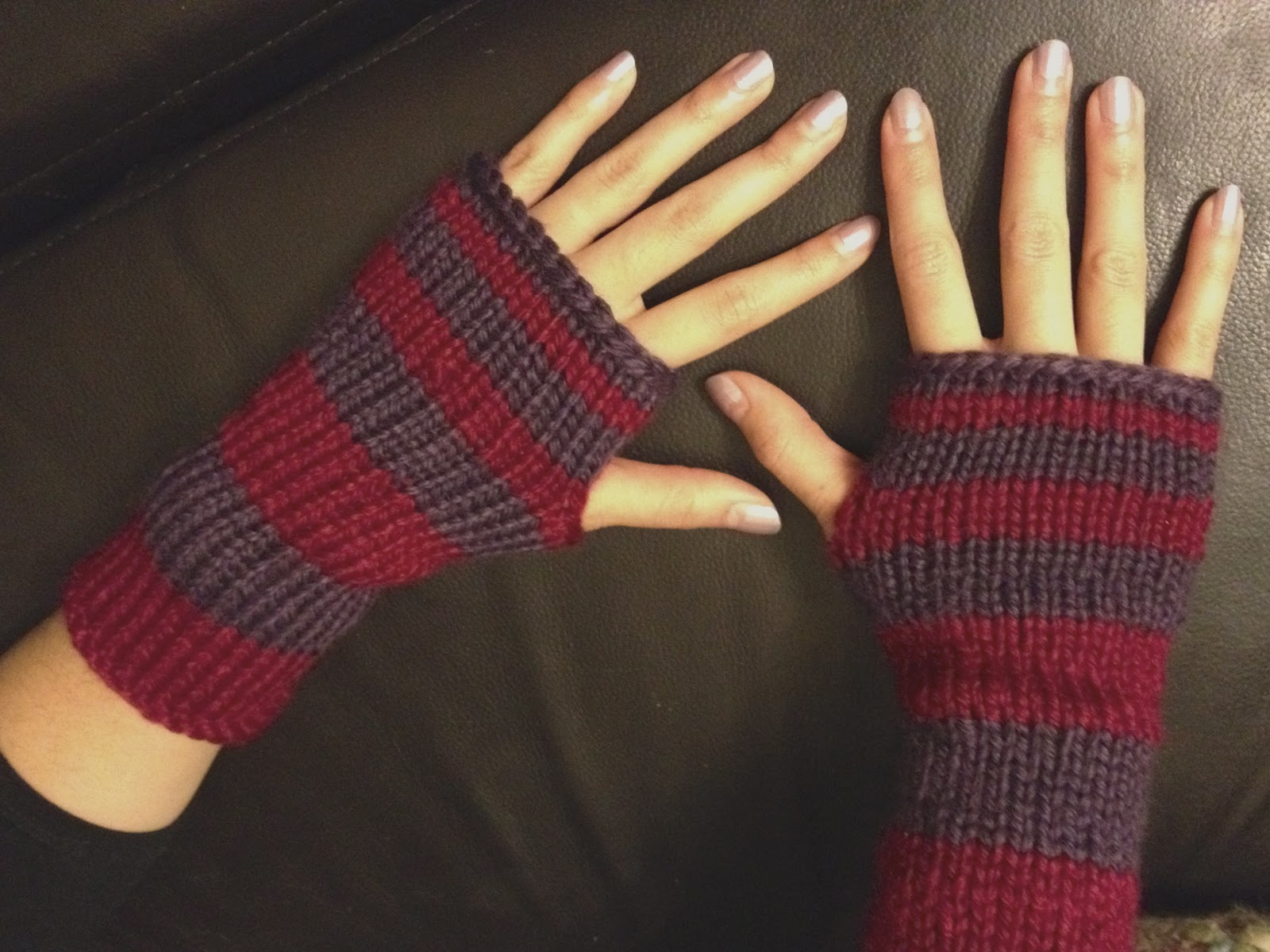 Super Easy Fingerless Gloves Knitting Pattern : Wool & Flax: Fingerless Stripes