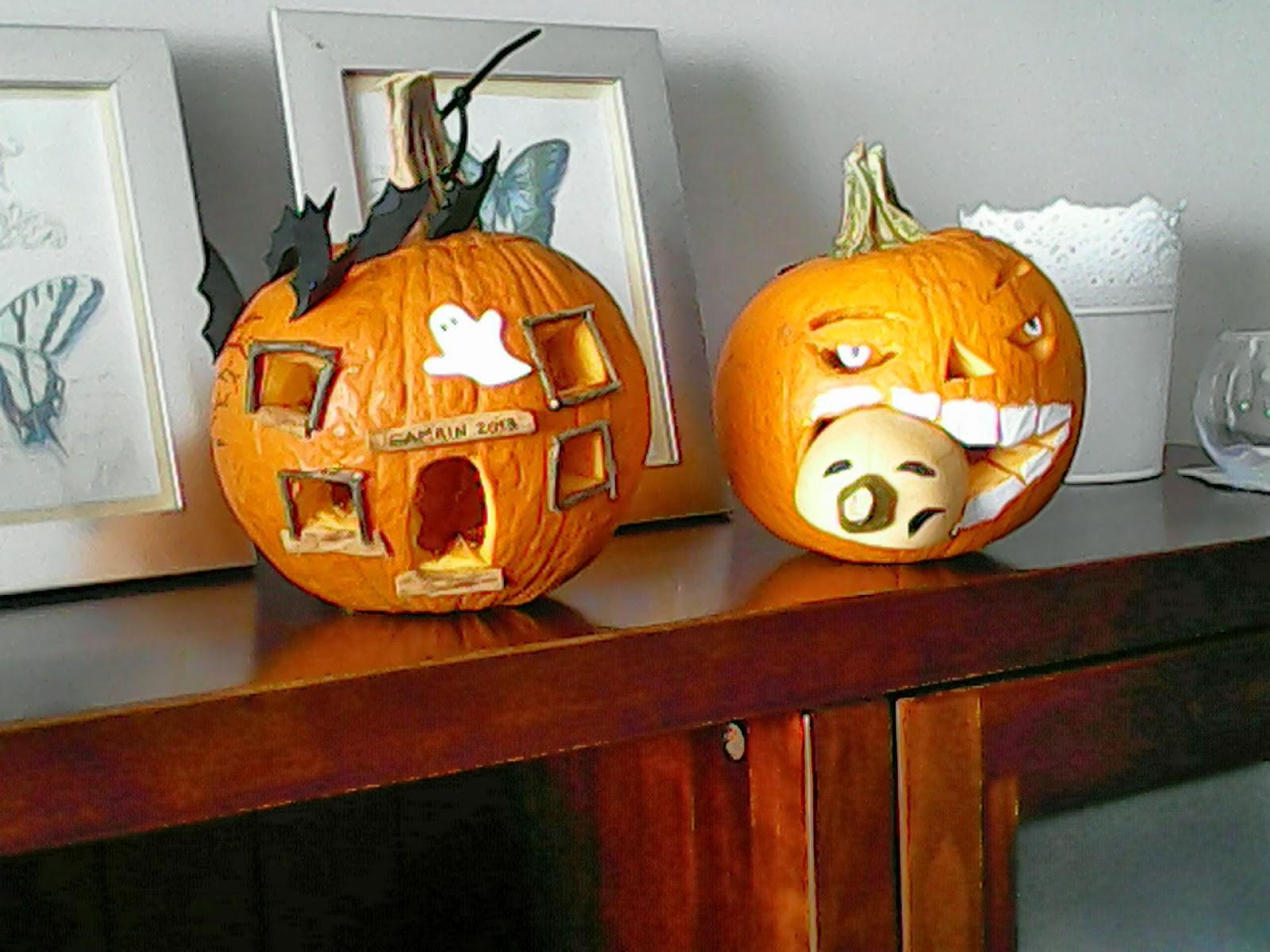 Calabazas decoradas de halloween cosas de mam s y peques for Puertas decoradas halloween calabaza