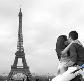 romantic love paris