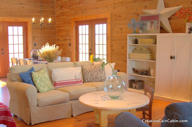 MG 0716 Come on and get cozy in a rustic log cabin home tour!