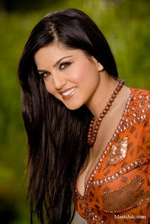 Sunny Leone Jewelry and Hairstyles