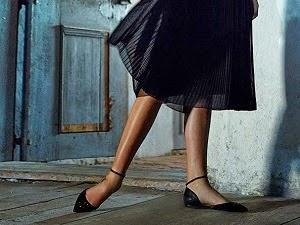 http://www.krisztinawilliams.com/2014/12/how-to-wear-dressy-flats-with-skirt.html