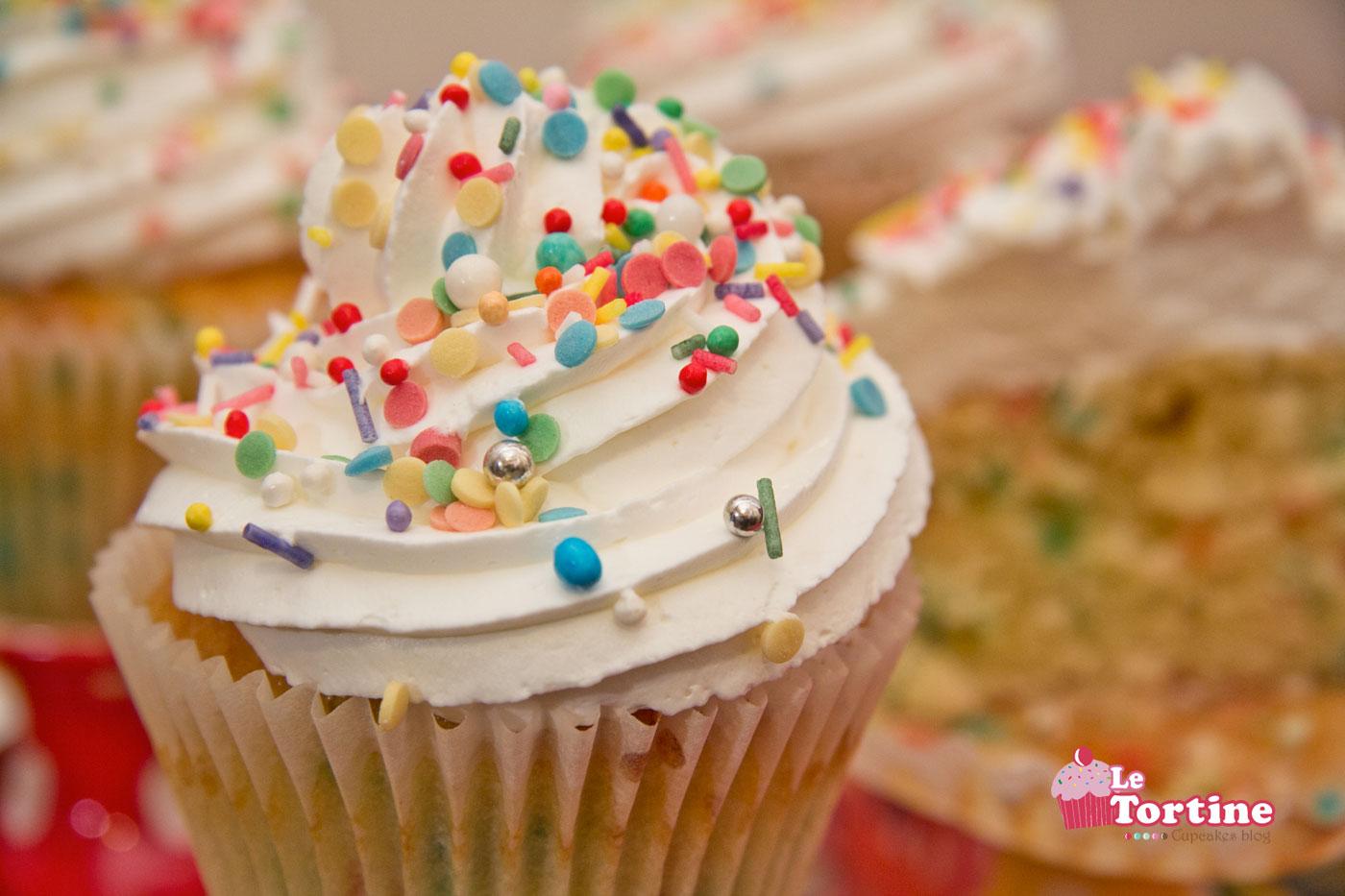 Carnevale 2013: Funfetti Cupcakes | Le Tortine - Cupcakes blog