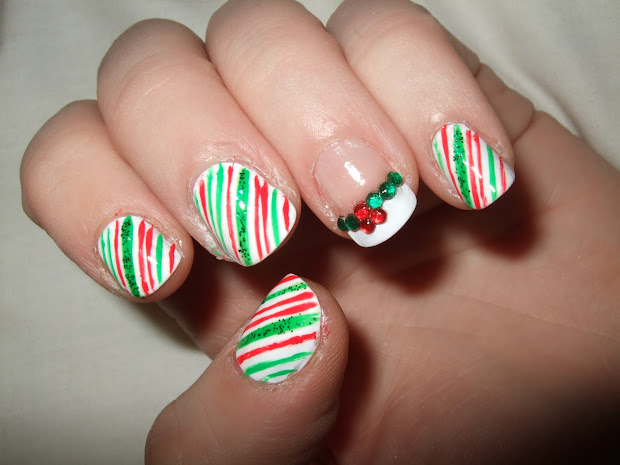 oooooh pretty christmas nails