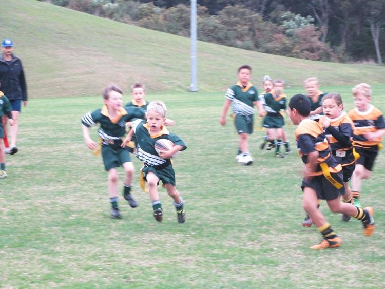 Eden Gold U7s vs. Waiheke Rippa Rugby - scoring a try