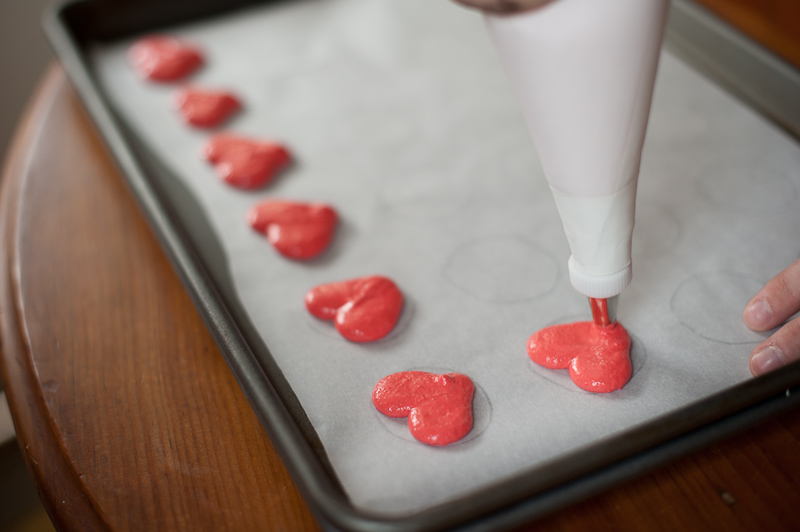 {Tutorial} Valentine Heart Macarons