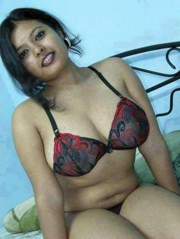 Sexy Desi Babes indianudesi.com