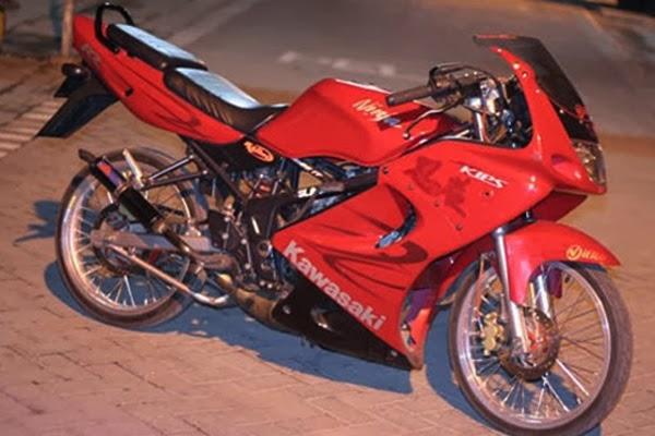 Modifikasi Motor Kawasaki Ninja 150 RR Velg Jari-Jari