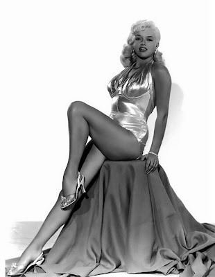 Diana Dors pin up