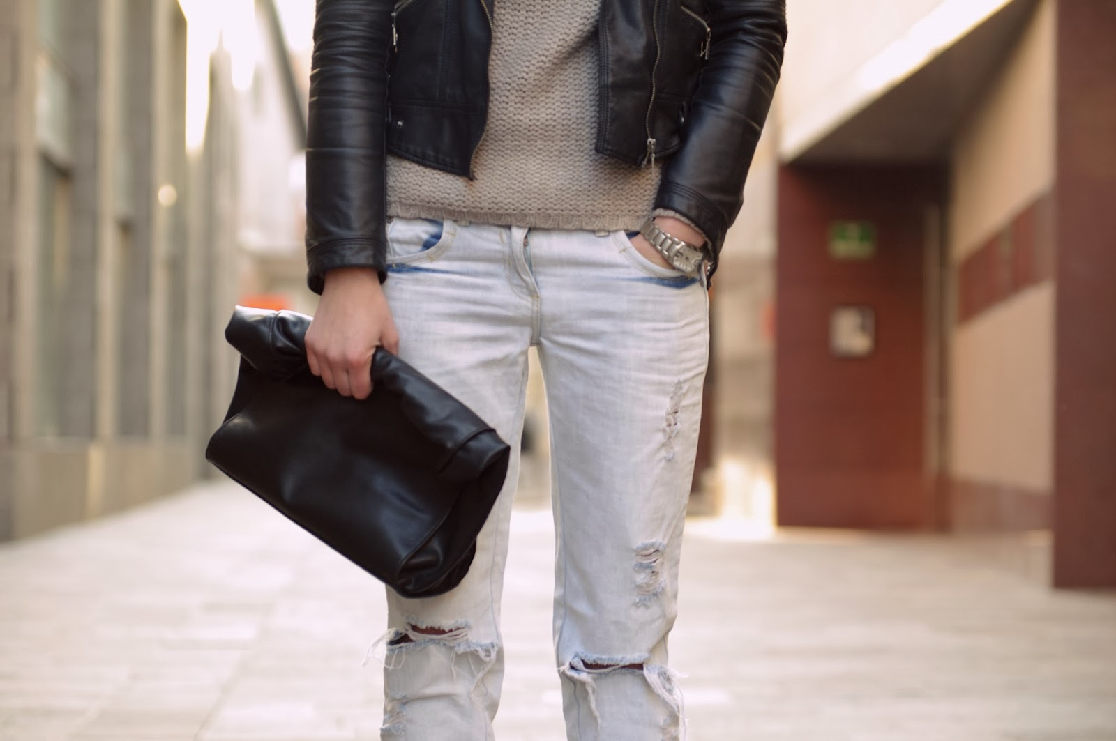 turtleneck sweater pull & bear, boyfriend jeans look, zara leather lunchbag, asos amour pointy heels boots, style blog blogger, fashion blogger, slovenski modni blogerji