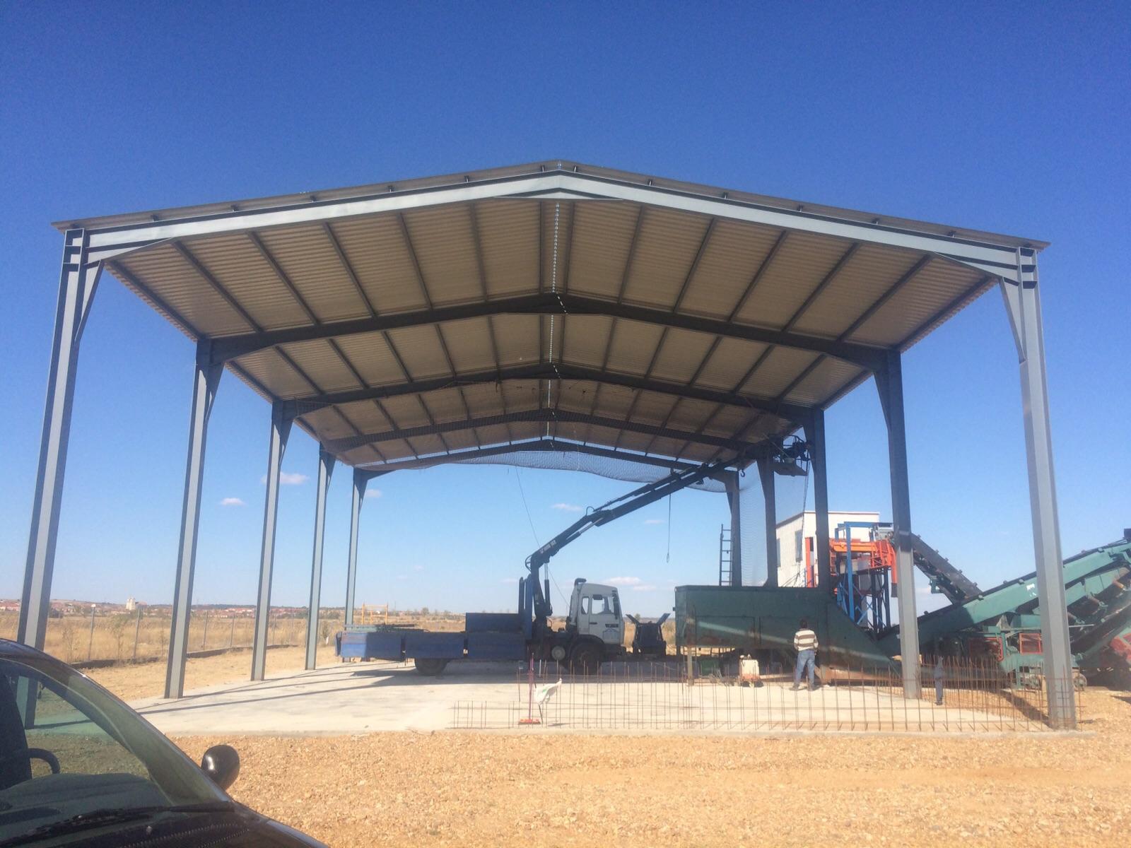 Cubierta nave industrial de madrid instaladores panel for Cobertizos prefabricados metalicos